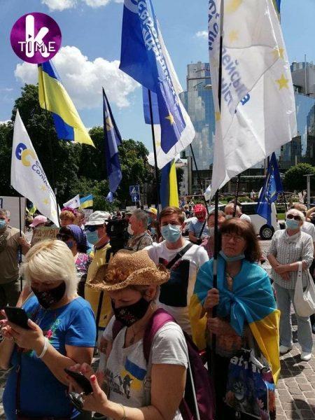 Суд в Киеве избирает меру пресечения для Порошенко: все подробности фото 7