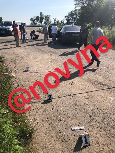 Под Полтавой расстреляли автомобиль, есть жертвы: фото и первые подробности фото 1
