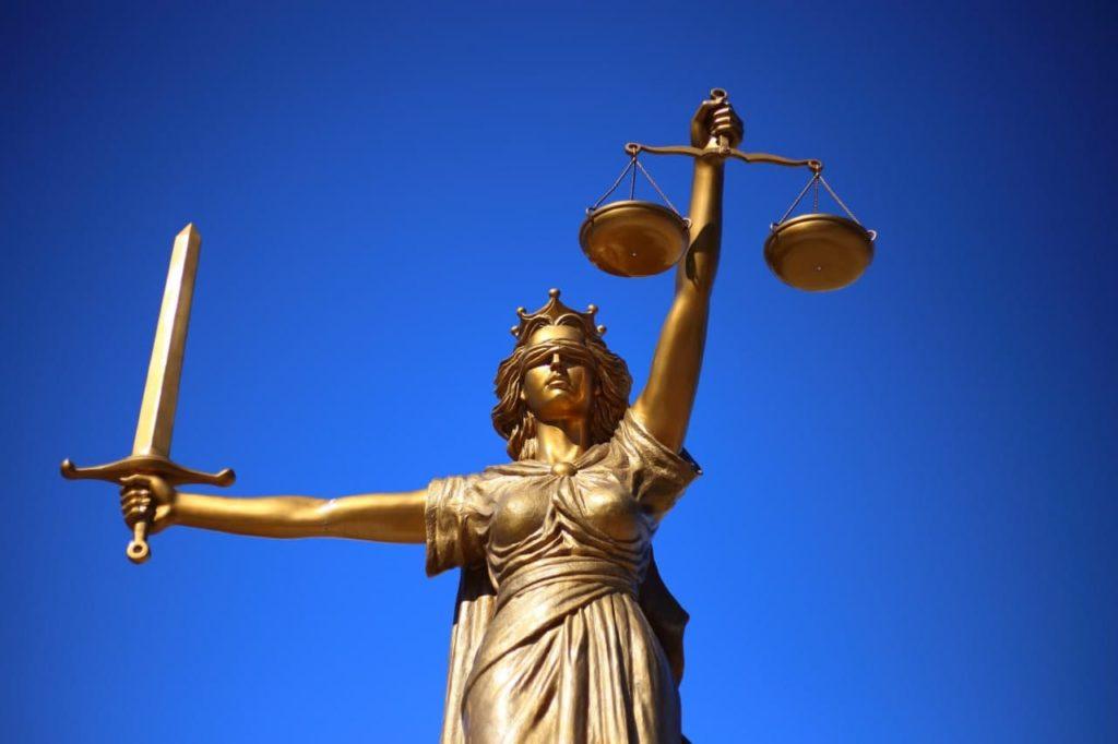Произвол в законе: как в Украине добивают систему правосудия фото 3