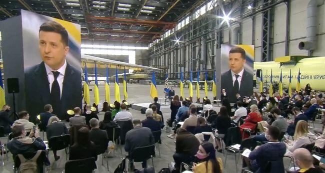 Переписка с подозреваемыми в убийстве, Путин, Медведчук и олигархи: Зеленский дал большую пресс-конференцию в честь 2 лет президентства. Этого ли ждали украинцы?